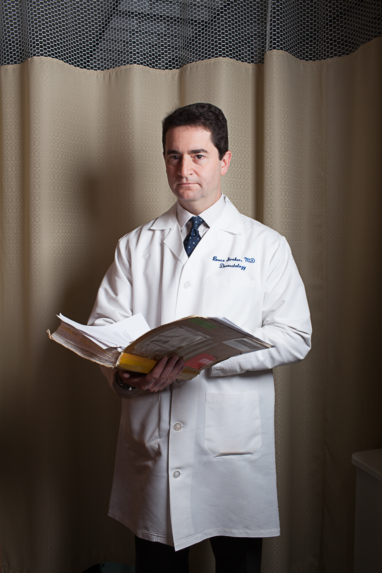 029_0001_bruce_strober_uconn_health_doctor_portrait_photo_library_commercial_portrait_corporate_editorial_advertising__portrait_photographer_hartford_ct_photojane_photojane