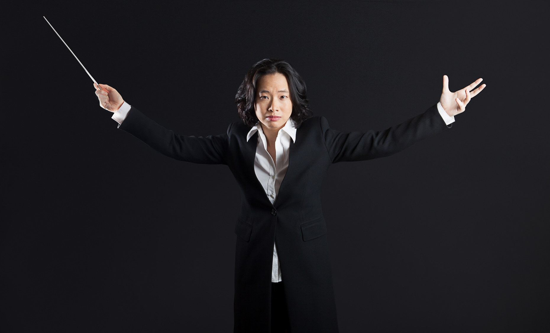 032_0001_carolyn_kuan_conductor_hso_portrait_photo_library_commercial_portrait_corporate_editorial_advertising__portrait_photographer_hartford_ct_photojane_photojane
